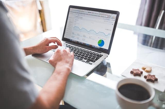 ללמוד קידום אתרים – מכללה, בבית או באונליין?