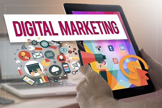 איך עסקים קטנים יכולים לשווק את עצמם באינטרנט