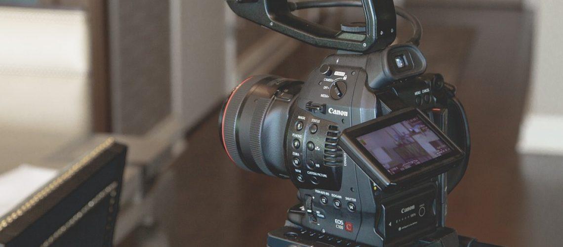 כיצד סרטונים יכולים לשפר את אחוז הפניות שלך באתר ?